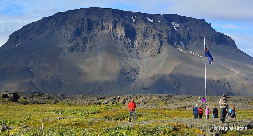 Herðubreiðarlindir and Mt. Herðubreið