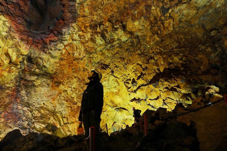 冰島夏季限定火山內部遨遊探險旅行團