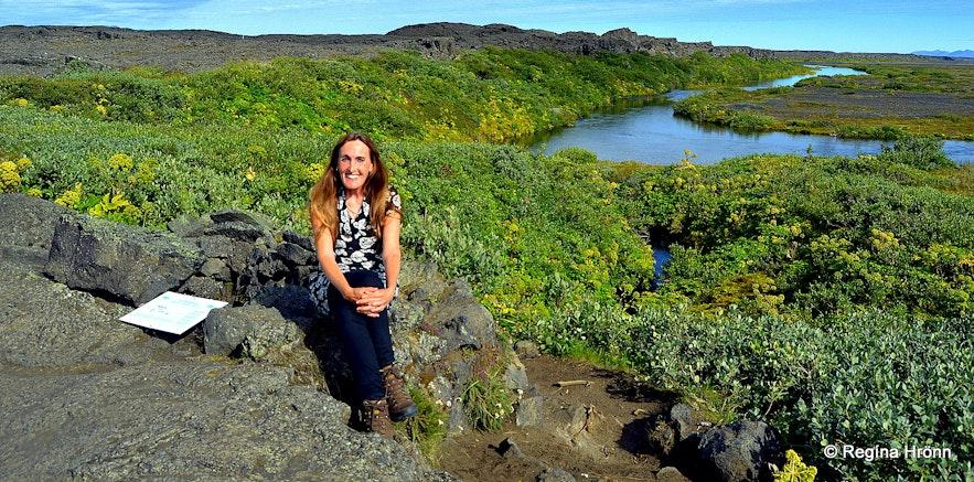 Regína by Herðubreiðarlindir and the Shelter of Fjalla-Eyvindur