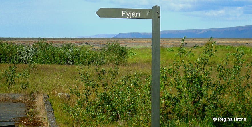 Ásbyrgi and Botnstjörn in Jökulsárgljúfur in North-Iceland - the Capital City of the Elves