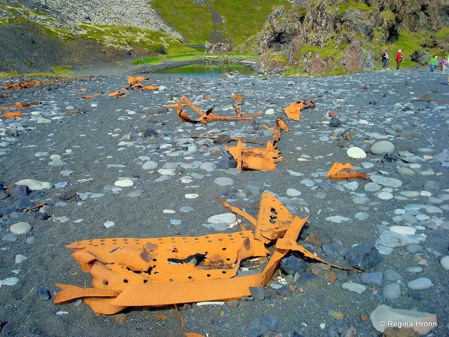 Djúpalónssandur beach Snæfellsnes -Iron pieces from the British trawler the Epine GY7