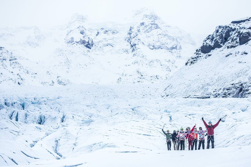 What is the best advice when it comes to group travel in Iceland? What are the different travel options available for groups, and what are the benefits and drawbacks over travelling solo?