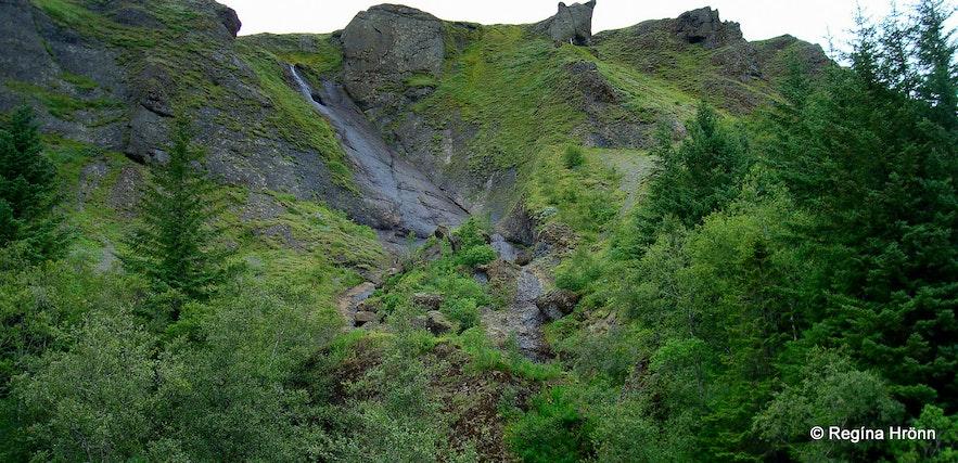 Systrafoss waterfall in Kirkjubæjarklaustur in draught