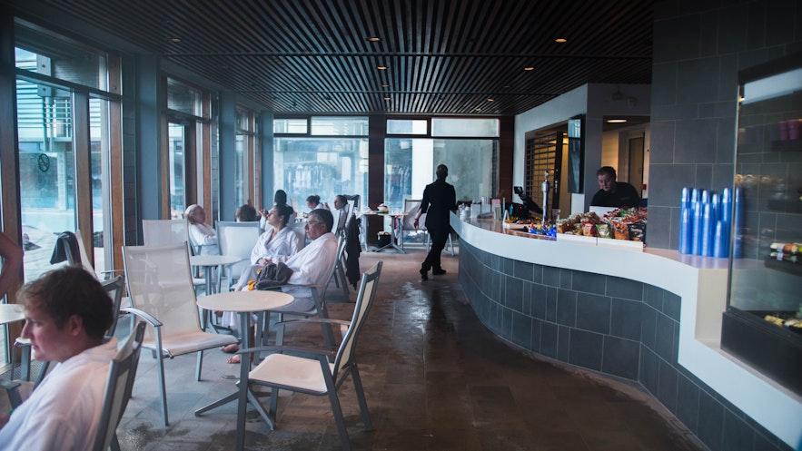Das Restaurant LAVA in der Blauen Lagune ist bekannt für seine qualitativ hochwertige Küche.