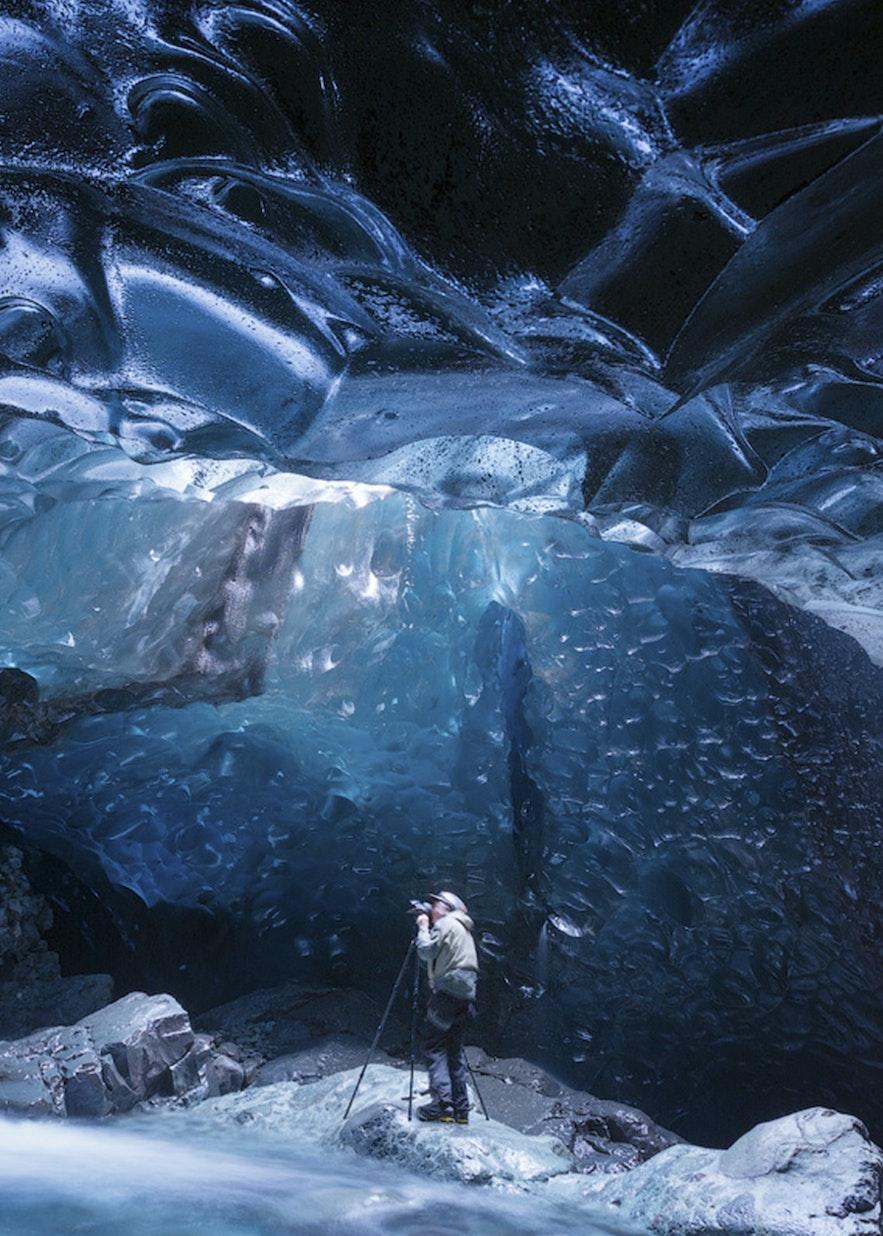 Eishöhlen sind nur im Südosten Islands von November bis März zugänglich.