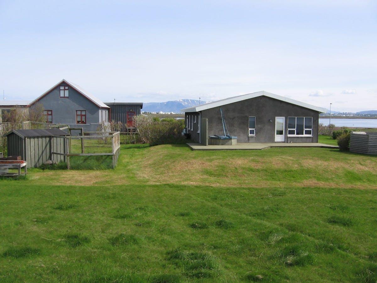 Hlíðsnes Holiday Homes hero image