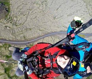 パラグライダー体験|空からアイスランド首都圏を満喫