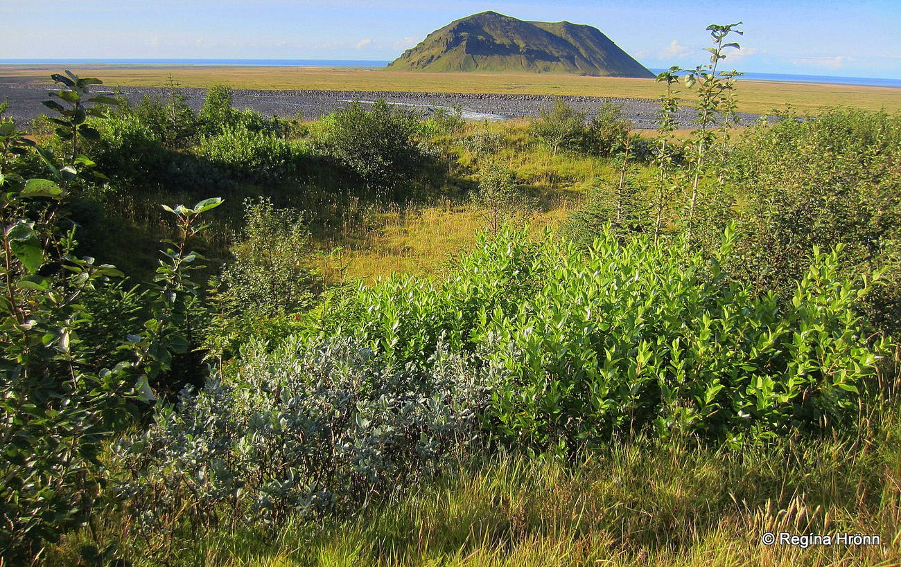 Mt  Pétursey in South-Iceland and the Elves - Icelandic Folklore