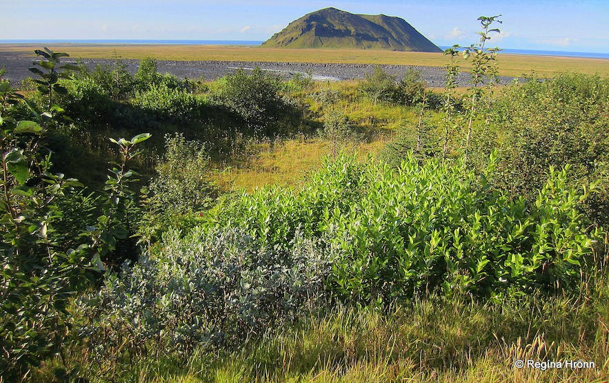 Mt. Pétursey in South-Iceland and the Elves - Icelandic Folklore