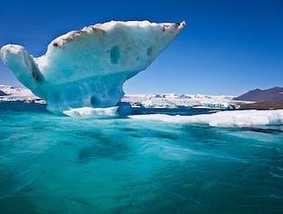 Private Jokulsarlon Glacier Lagoon tour, Diamond Beach, Black Sand Beaches & more in a Mercedes Benz
