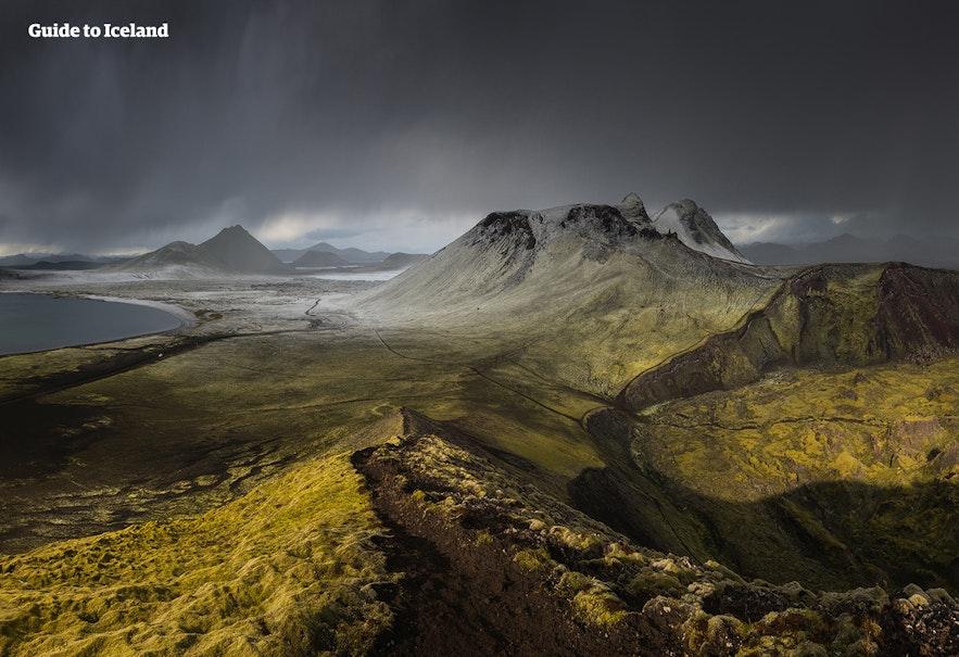 Landmannalaugar kann im Winter auf sehr ausgewählten Touren besucht werden.