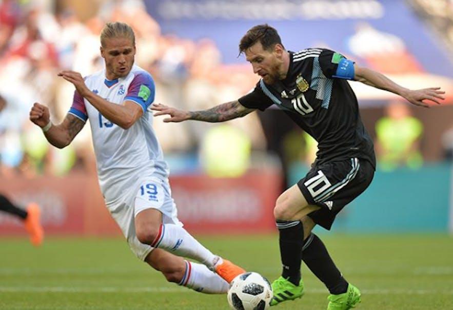 Rúrik Gíslason and Lionel Messi at World Cup 2018