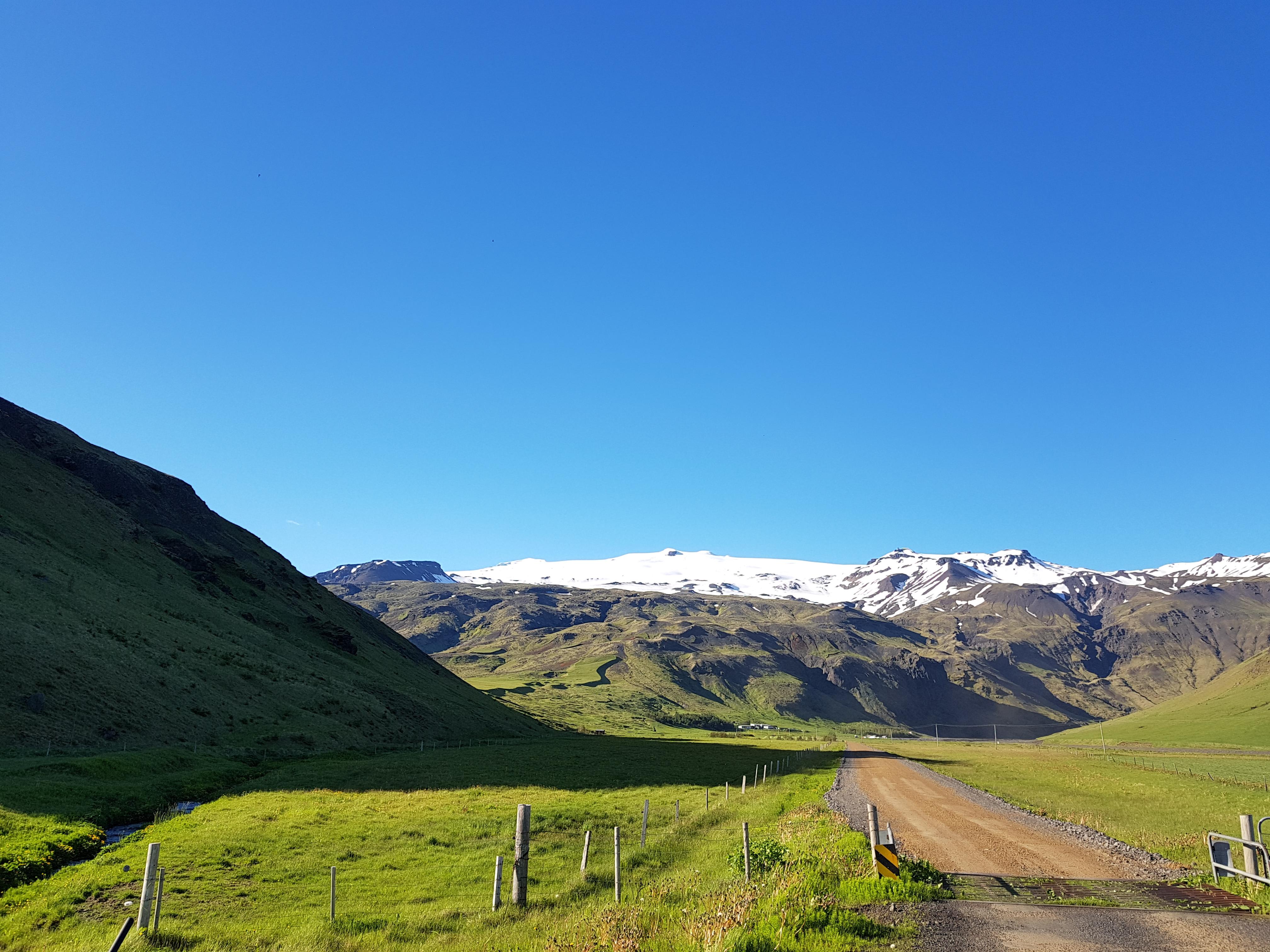 Eyjafjallajökull glacier par une journée ensoleillée.