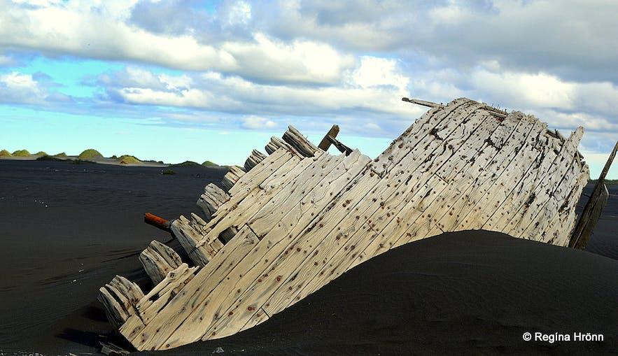A boat wreck at Landeyjarsandur South-Iceland