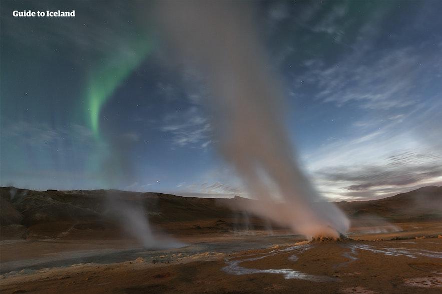 米湖温泉距离冰岛北部其他地热区很近