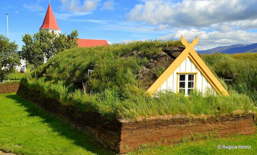 Glaumbær turf house