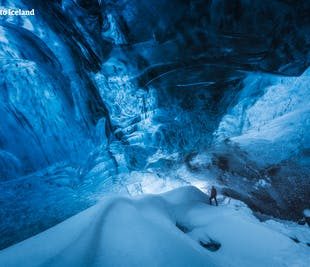 Tour invernale di 3 giorni a basso costo | Circolo d'Oro e Costa Meridionale con Escursione del Ghiacciaio & Grotta di Ghiaccio