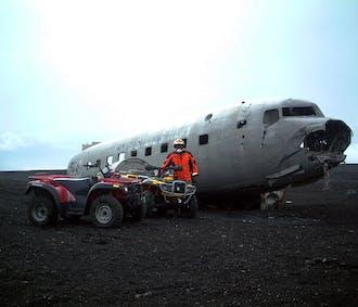 南海岸の名瀑と四輪バギーで行くDC-3飛行機の残骸見学