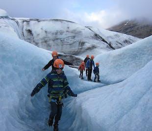 ปีนกลาเซียร์ที่วัทนาโจกุล   เดินทางจากธารน้ำแข็งโจกุลซาลอน