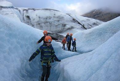 ปีนเกลเซียร์ที่วัทนาโจกุล   เดินทางจากธารน้ำแข็งโจกุลซาลอน