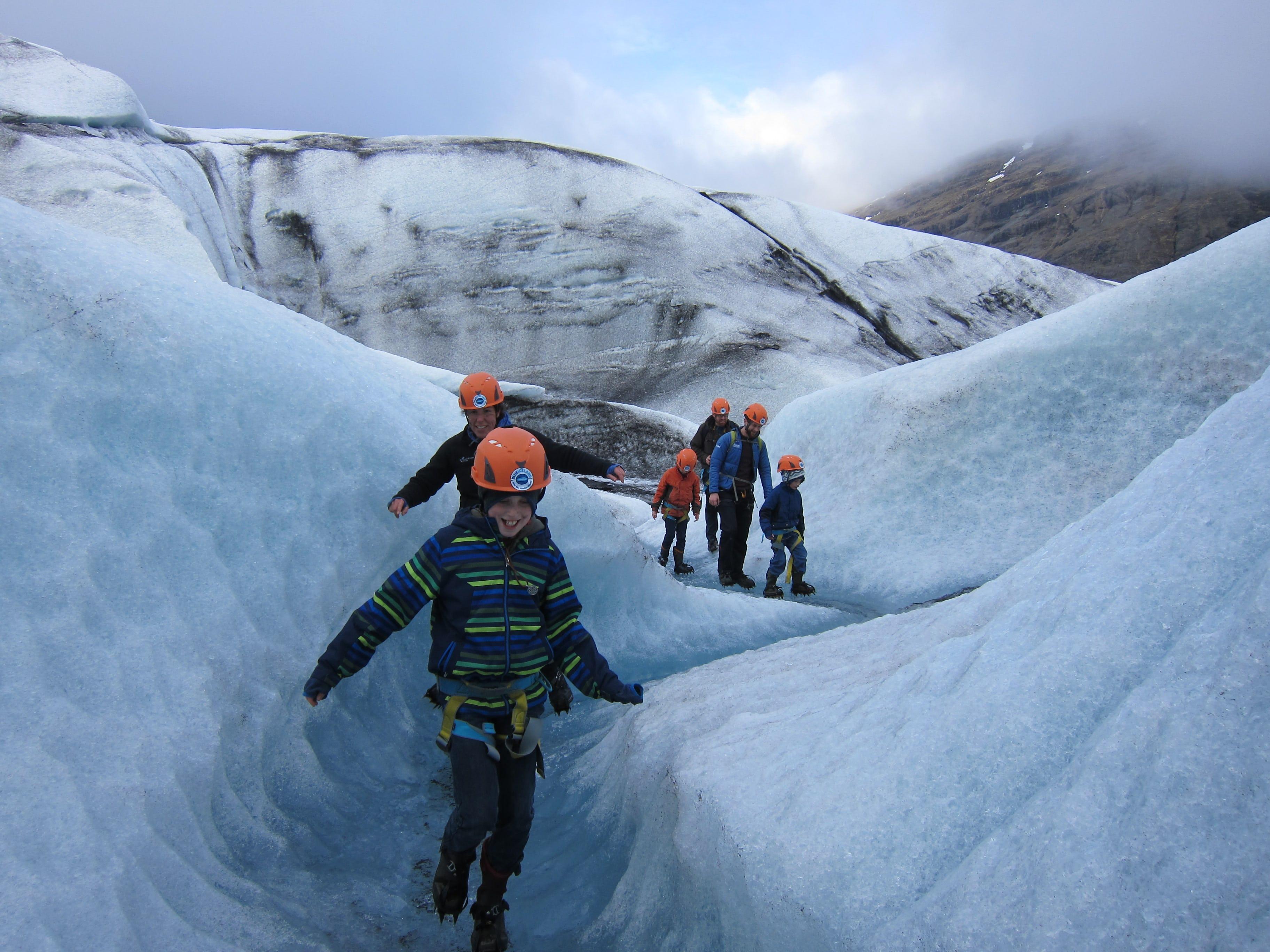 Une randonnée glaciaire est un plaisir pour toute la famille.