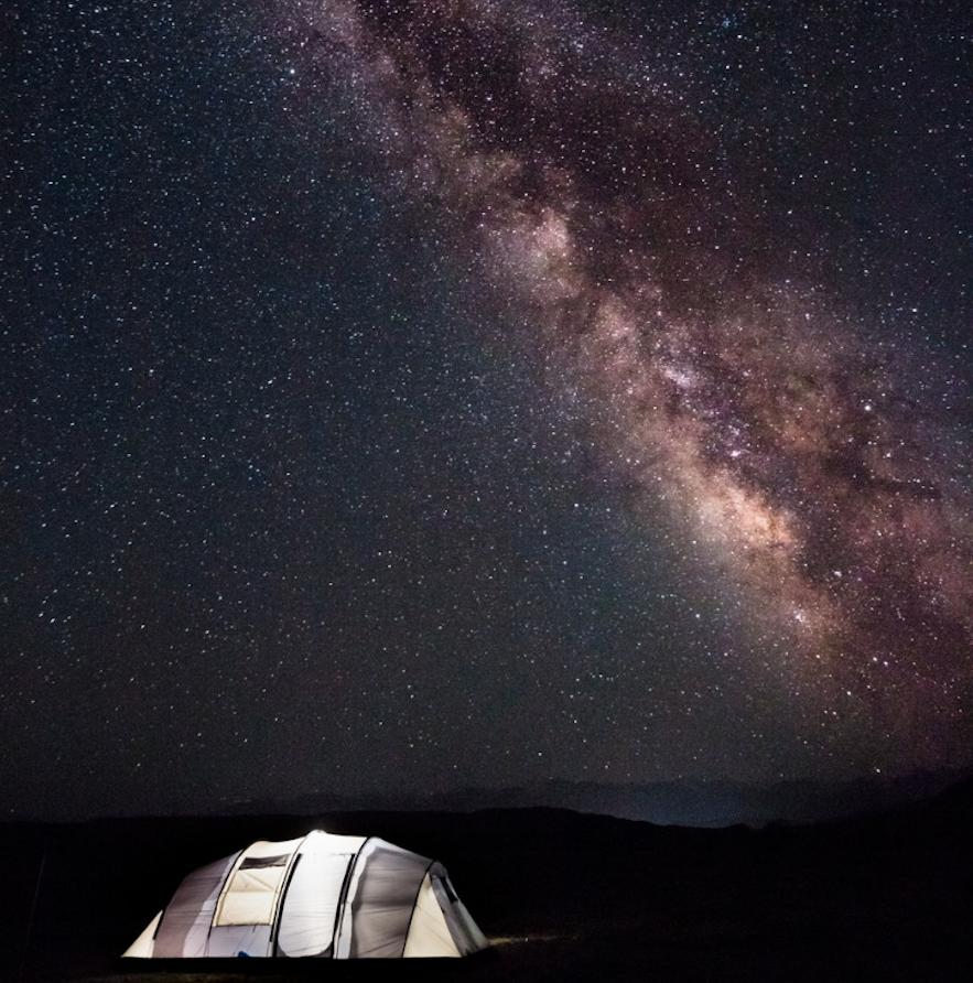 星河下的帳篷