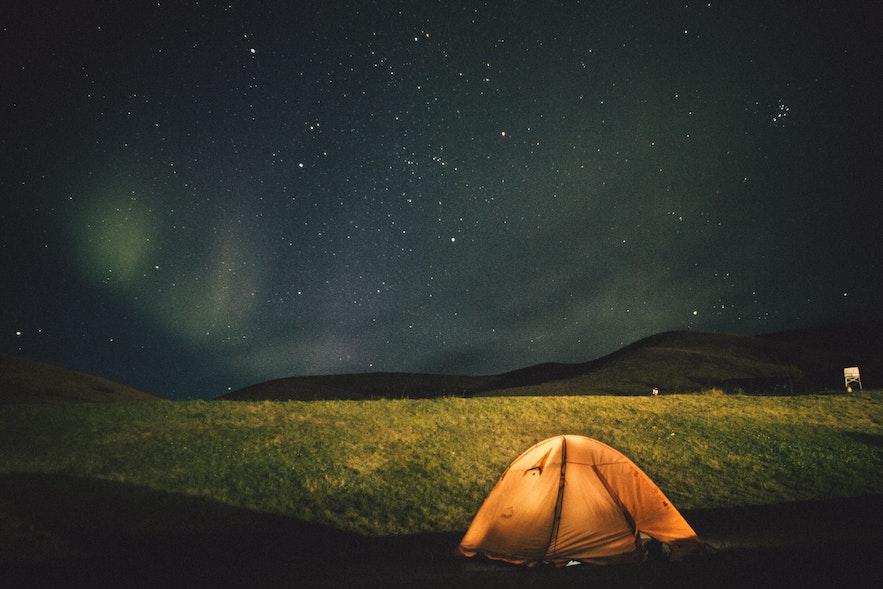 在冰島露營