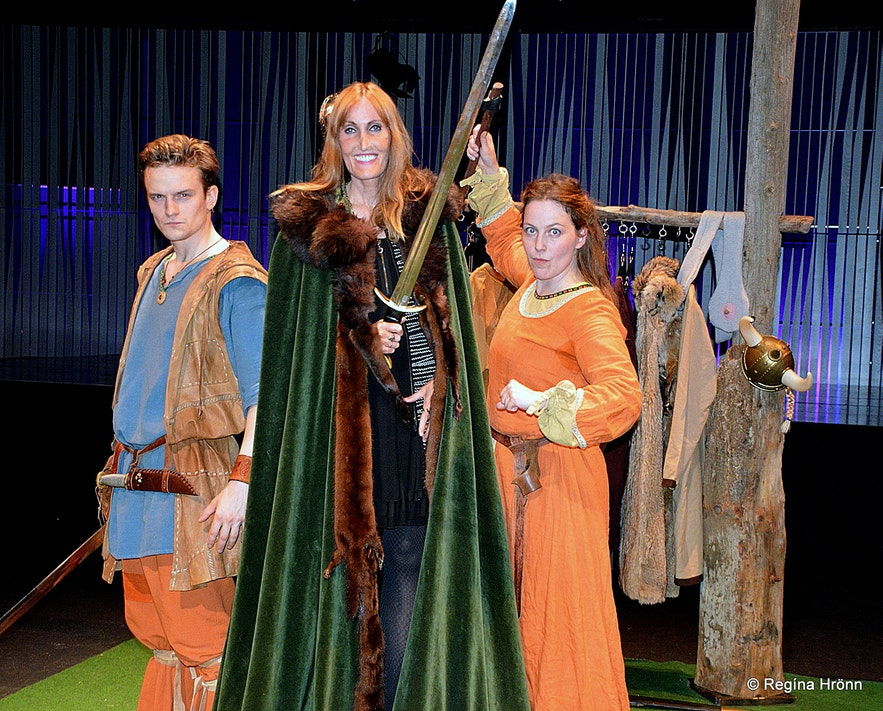 Regína with the actors of  the Icelandic Sagas in 75 Minutes at Harpa Concert Hall in Reykjavík