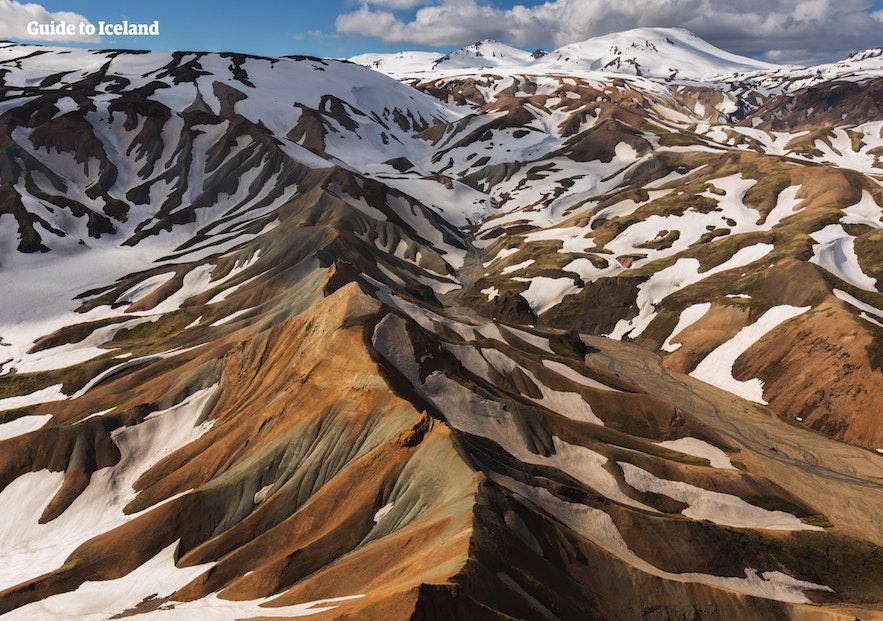 冰島彩色火山