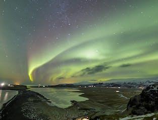 Northern Lights Minibus Tour & Aurora Reykjavik Museum