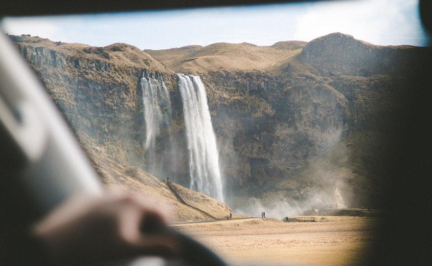 冰島停車規則