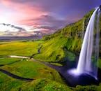 アイスランド南海岸にはたくさんの滝がある