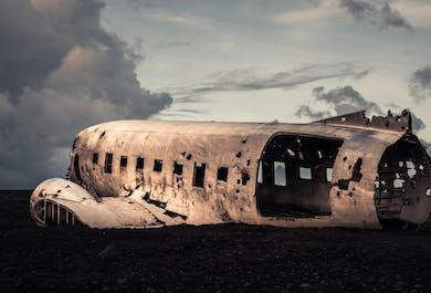 แพ็คเกจ 2 วัน ทัวร์ชายฝั่งทางใต้ ทะเลสาบธารน้ำแข็งโจกุลซาลอน ปีนกลาเซียร์ & ดูซากเครื่องบิน DC-3