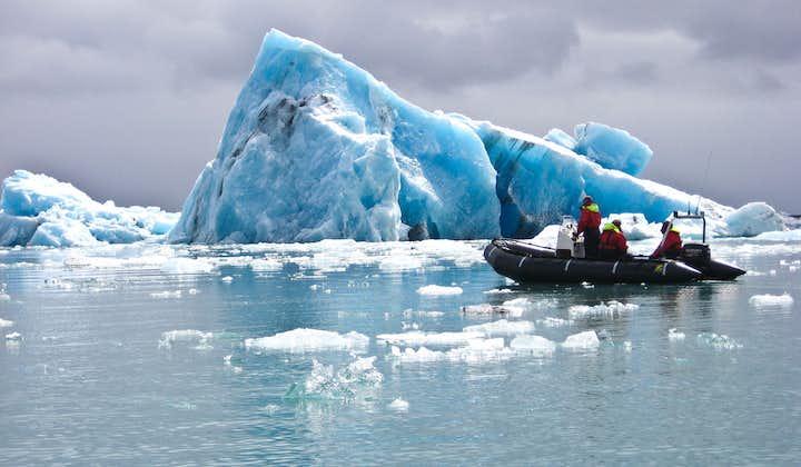 Speed across Jökulsárlón glacier lagoon on a zodiac boat.