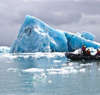 Paseo en barco en la laguna glaciar de Jökulsárlón   Encuentro en la ubicación