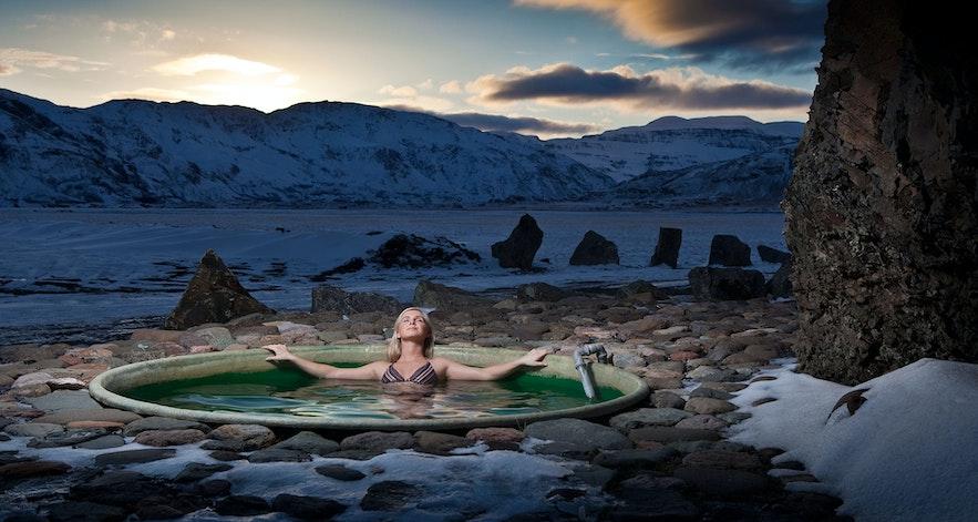 アイスランド東部にあるホッフェットルの露天風呂