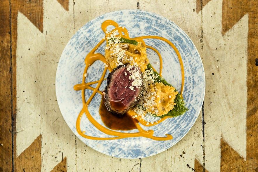 레이캬비크에 위치한 부르로 레스토랑의 쇠고기 스테이크
