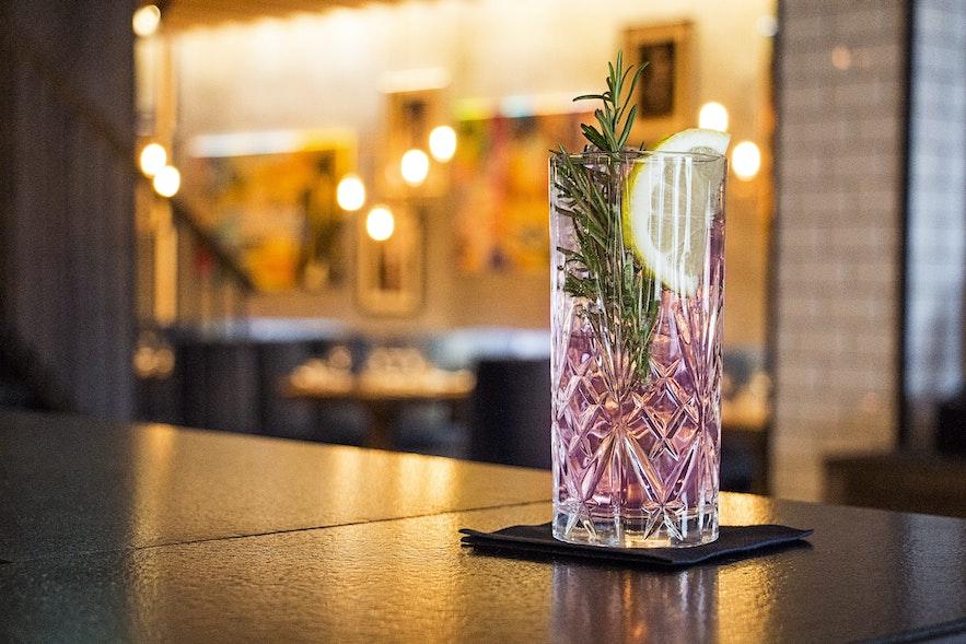 Elder Roses cocktail at Geiri Smart Bar