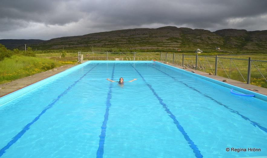 Gvendarlaug swimming pool in Bjarnarfjörður at Strandir