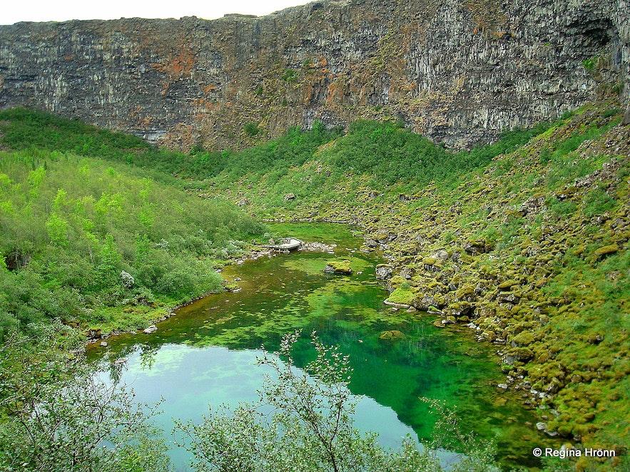 Ásbyrgi in northeast Iceland - Botnstjörn