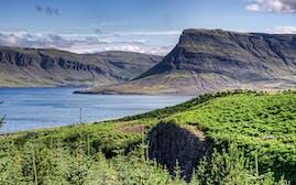 Hvalfjörður_(4856689079).jpg