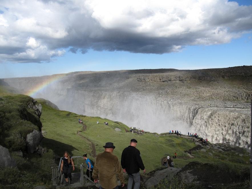 北アイスランドのデティフォスの滝