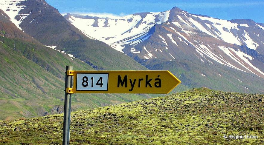 Road sign for Myrká
