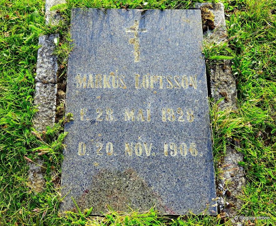 The grave of Markús on Hjörleifshöfði