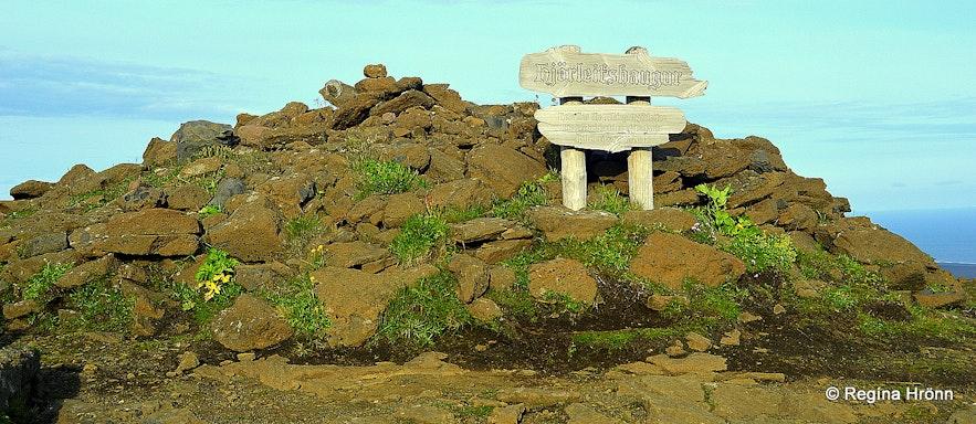 Hjörleifshaugur burial mound on Hjörlefishöfði