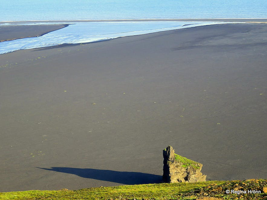 Kötlutangi spit as seen from Hjörleifshöfði