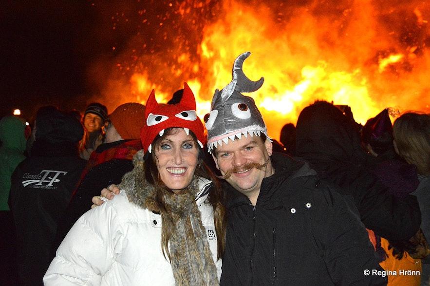Regína and her husband at the bonfire at Ægisíða