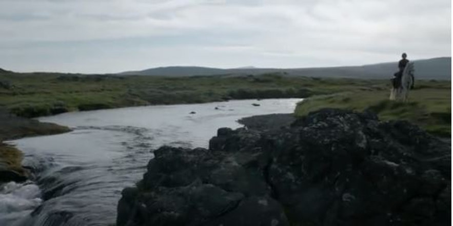 아리아 스타크가 아이슬란드 토종말을 타고 브라보스로 향하던 장면의 배경