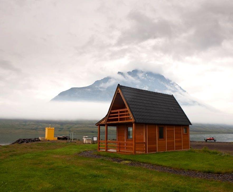 冰岛民宿预订平台Bungalo上的小木屋