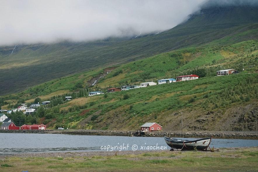 小镇边缘的冰岛民宿
